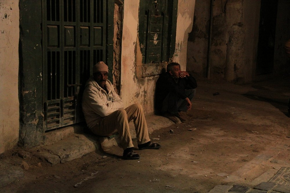 Most people that are living in the old city are immigrants from Morocco.